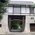 07松山東雲学園の門