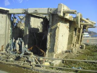 07 女川町の倒壊した交番
